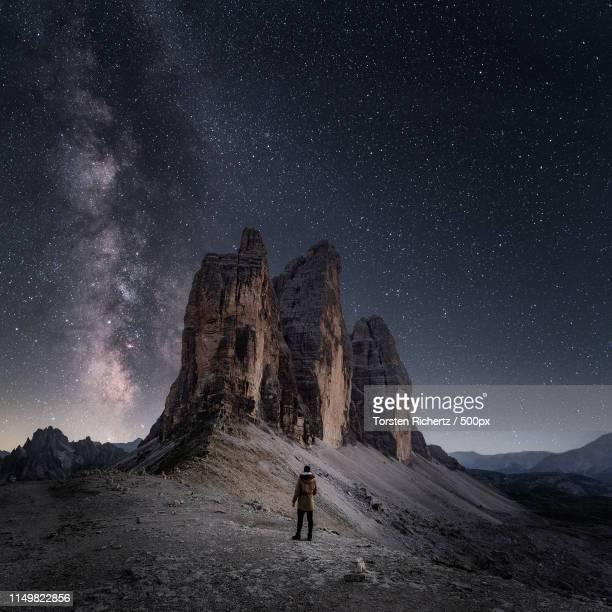 amazed - nationaal monument beroemde plaats stockfoto's en -beelden