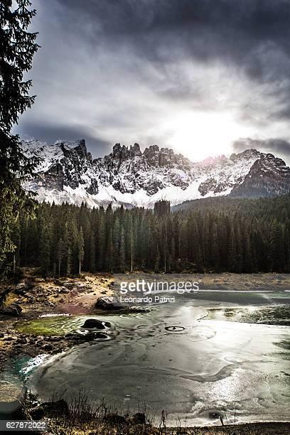 amazing alps landscape in italy - dolomites - alpi foto e immagini stock