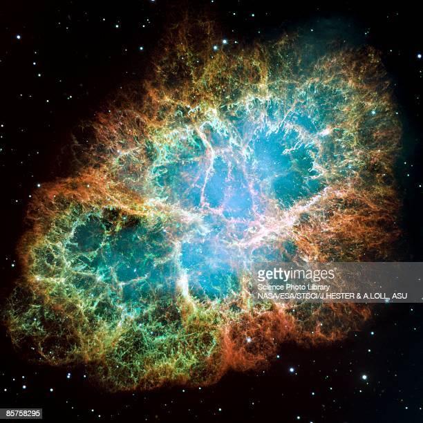 amazing crab nebula - nevels en gaswolken stockfoto's en -beelden