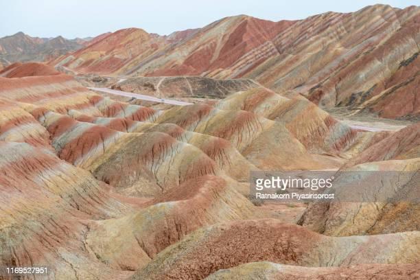 amazing landscape of china's rainbow mountain in danxia landform, zhangye, china - 丹霞地形 ストックフォトと画像
