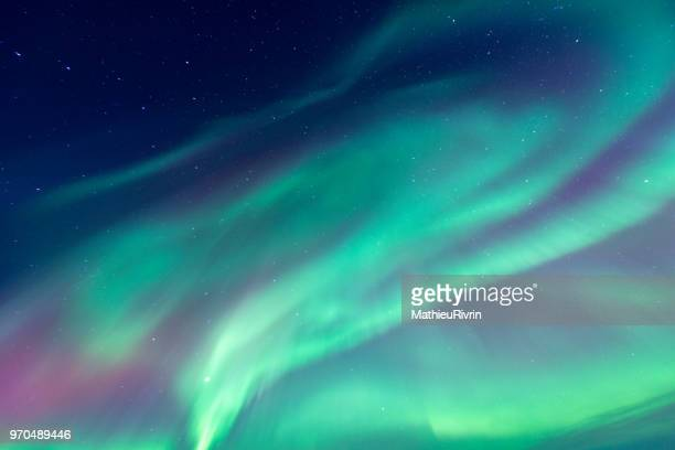 amazing northern lights in iceland - aurora borealis stock pictures, royalty-free photos & images