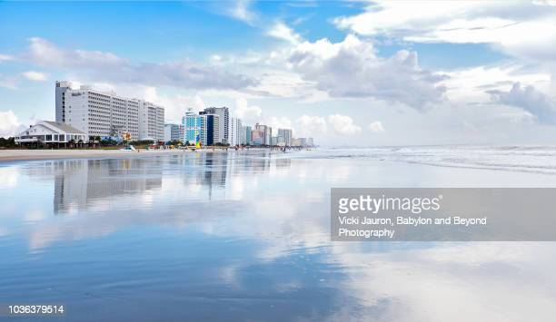 amazing reflections along the shoreline at myrtle beach, south carolina - file:myrtle_beach,_south_carolina.jpg stock pictures, royalty-free photos & images