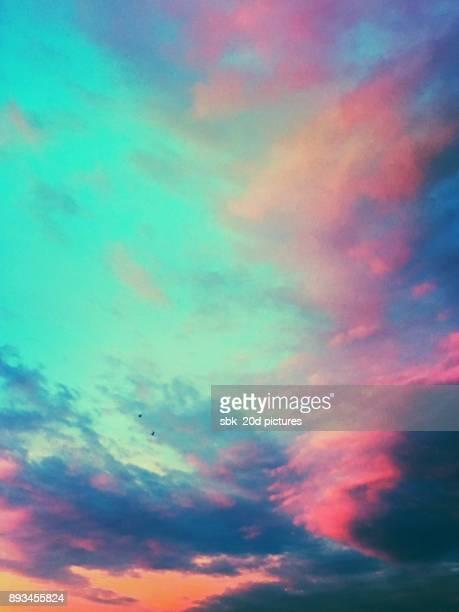 amazing sky 22 - nuvens fofas imagens e fotografias de stock