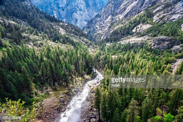 amazing view on the merced river - john muir trail stock photos and pictures