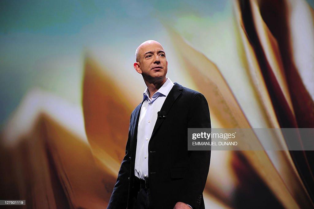 Amazon CEO Jeff Bezos addresses a press : News Photo