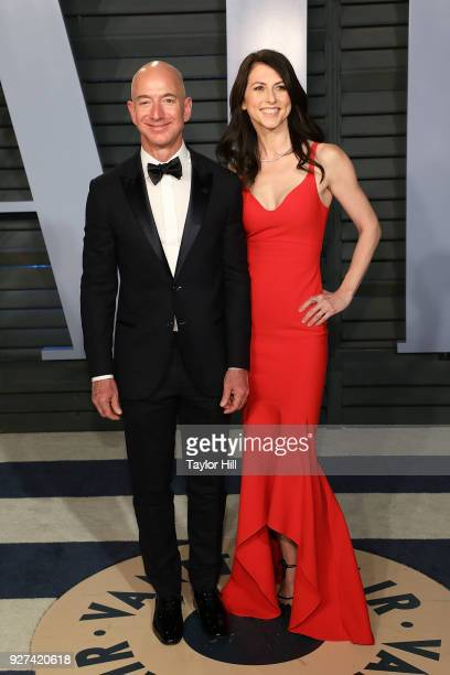 Amazon CEO Jeff Bezos and MacKenzie Bezos attend the 2018 Vanity Fair Oscar Party hosted by Radhika Jones at Wallis Annenberg Center for the...
