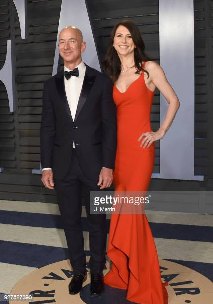 Amazon CEO Jeff Bezos and MacKenzie Bezos attend the 2018 Vanity Fair Oscar Party hosted by Radhika Jones at the Wallis Annenberg Center for the...