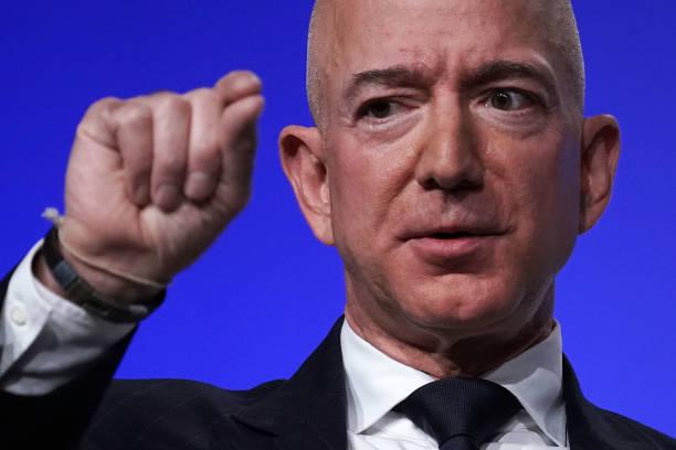 画像 : Amazon(アマゾン)創設者、ジェフ・ベゾス氏の果てなき野望と ...