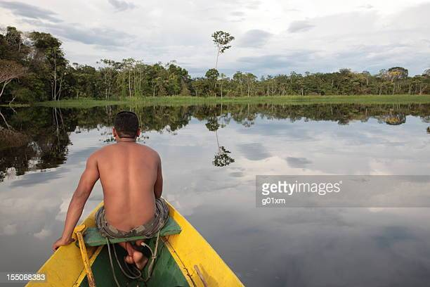 アマゾンのジャングル川の夕日