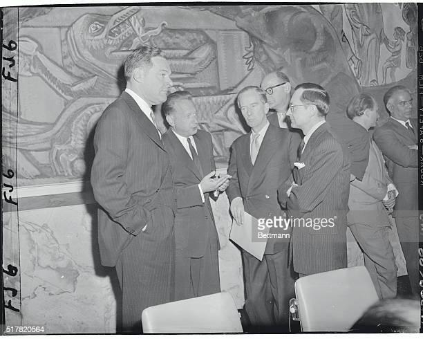 US Ambassador Henry Cabot Lodge Dag Hammarskjold UN Secretary General Sir Pierson Dixon of Britain James J Wadsworth and James Barco confer before...