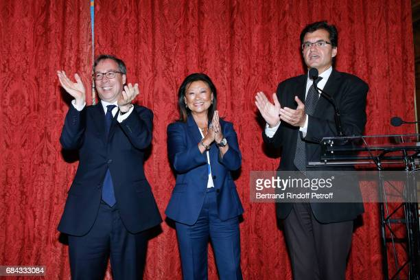 Ambassador of Great Britain to paris Lord Ed Llewellyn Mayor of 8th District of Paris Jeanne D'hauteserre and Creator of the Neighbours' Day Atanase...
