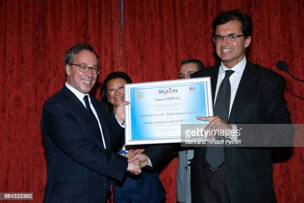 Ambassador of Great Britain to paris Lord Ed Llewellyn receiving the European Label Voisin Convivial Voisin Solidaire 2017 Mayor of 8th District of...