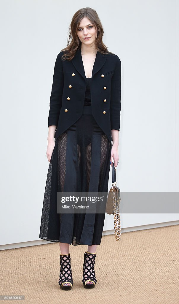 Amber Anderson attends the Burberry show during The London Collections Men AW16 at Kensington Gardens on January 11, 2016 in London, England.