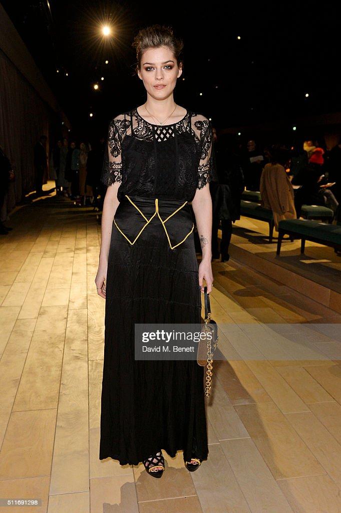 Burberry Womenswear February 2016 Show - Front Row & Runway
