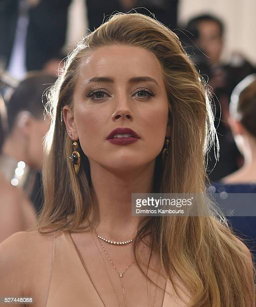 Amber Heard attends the 'Manus x Machina Fashion In An Age Of Technology' Costume Institute Gala at Metropolitan Museum of Art on May 2 2016 in New...