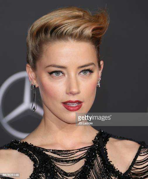 Amber Heard attends the premiere of Warner Bros Pictures' 'Justice League' on November 13 2017 in Los Angeles California