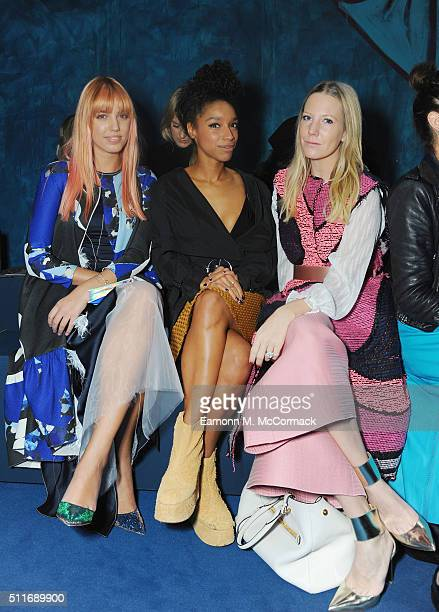 Amber Le Bon Lianne La Havas and Alice Naylor Leyland attends the Roksanda show during London Fashion Week Autumn/Winter 2016/17 on February 22 2016...