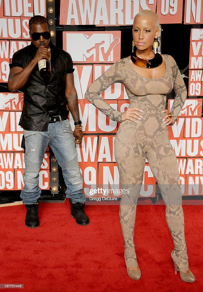 2009 MTV Video Music Awards - Arrivals : News Photo