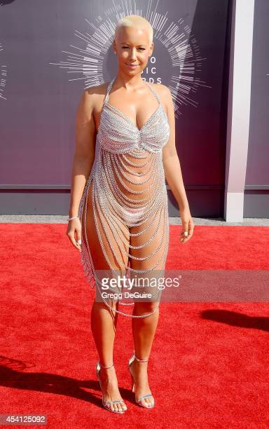 Amber Rose arrives at the 2014 MTV Video Music Awards at The Forum on August 24, 2014 in Inglewood, California.
