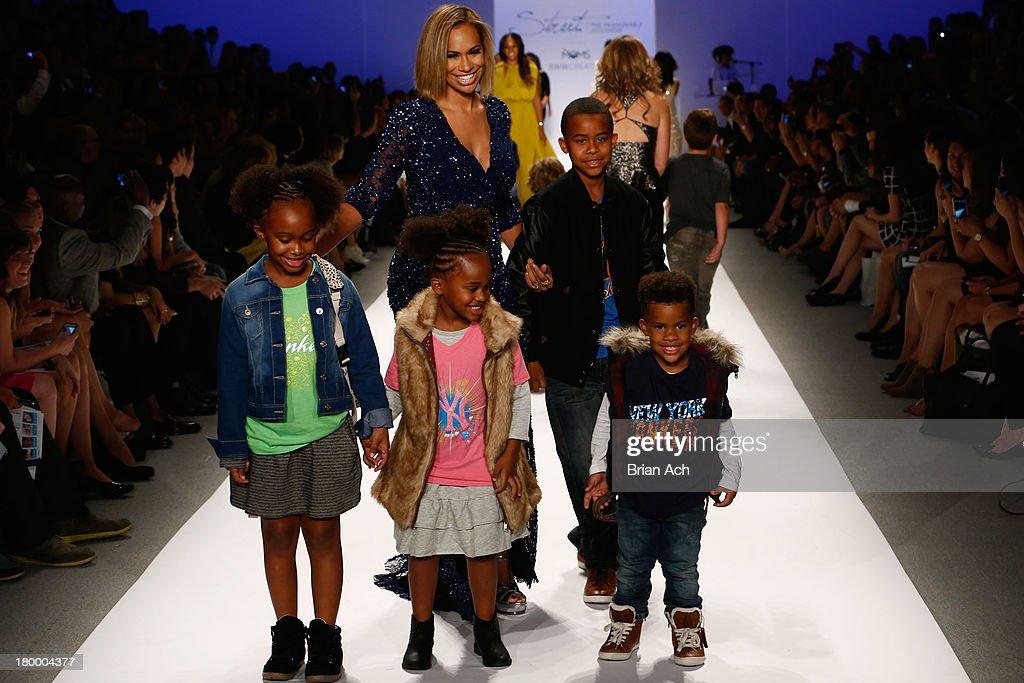Strut: The Fashionable Mom Show - Runway - Mercedes-Benz Fashion Week Spring 2014 : News Photo