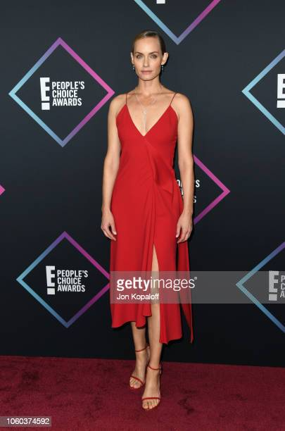 Amber Valletta attends the People's Choice Awards 2018 at Barker Hangar on November 11 2018 in Santa Monica California