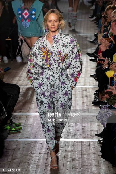 Amber Valletta walks the runway during the Isabel Marant Womenswear Spring/Summer 2020 show as part of Paris Fashion Week on September 26 2019 in...