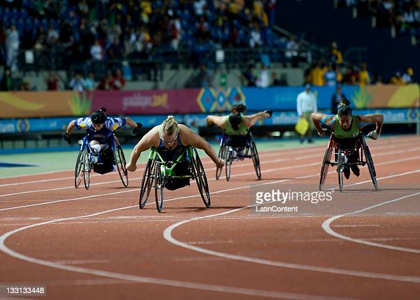 Amberlynn Weber of USA competes in the Women's 200m T54 during Day 4 of the 2011 Para Pan American Games at Telmex Stadium on November 16 2011 in...