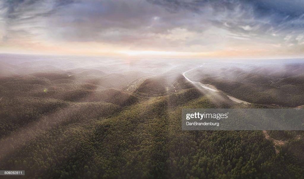 周囲の日の出 : ストックフォト
