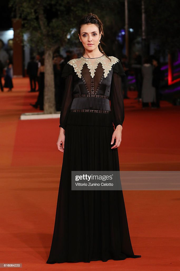 Ambra Angiolini walks a red carpet for '7 Minuti' during the 11th Rome Film Festival at Auditorium Parco Della Musica on October 21, 2016 in Rome, Italy.