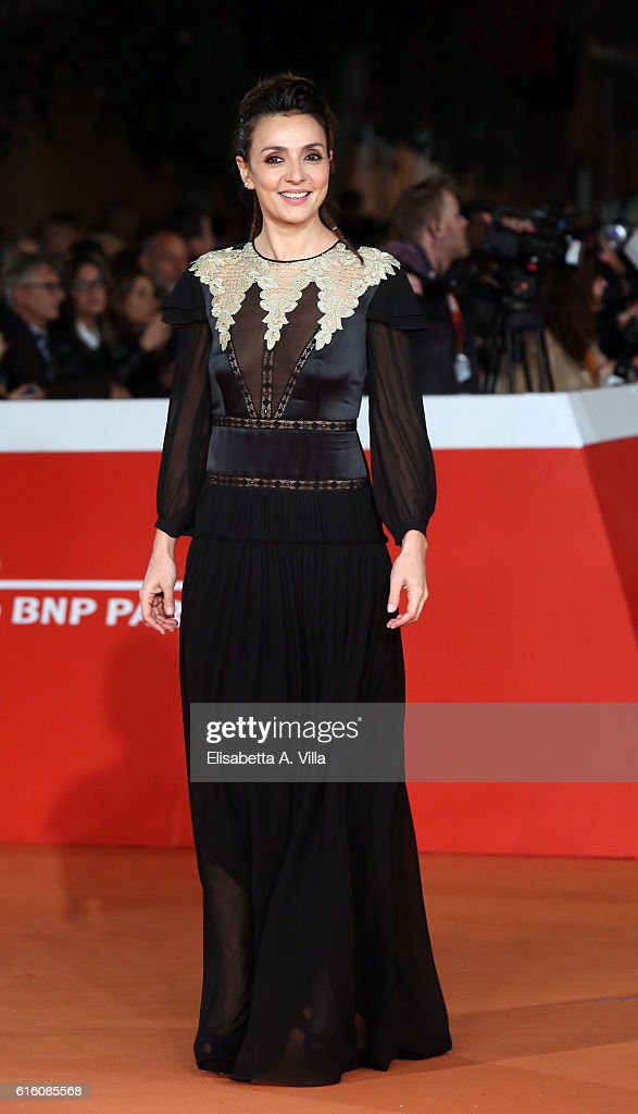 Ambra Angiolini walks the red carpet for '7 Minuti' during the 11th Rome Film Festival at Auditorium Parco Della Musica on October 21, 2016 in Rome, Italy.