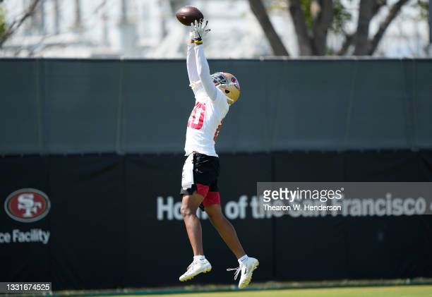 Ambry Thomas of the San Francisco 49ers works out during training camp at SAP Performance Facility on July 31, 2021 in Santa Clara, California.