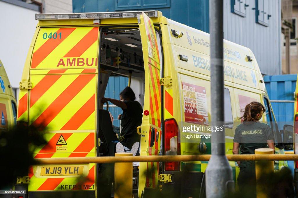 Cornish Hospital Trust Suspends Surgeries Due To Rising Covid Cases : Nachrichtenfoto