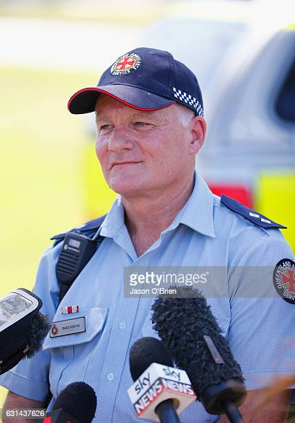 Ambulance officer Paul Young speaks to the media outside Movieworld on January 11 2017 in Gold Coast Australia The Arkham Asylum ride malfunctioned...