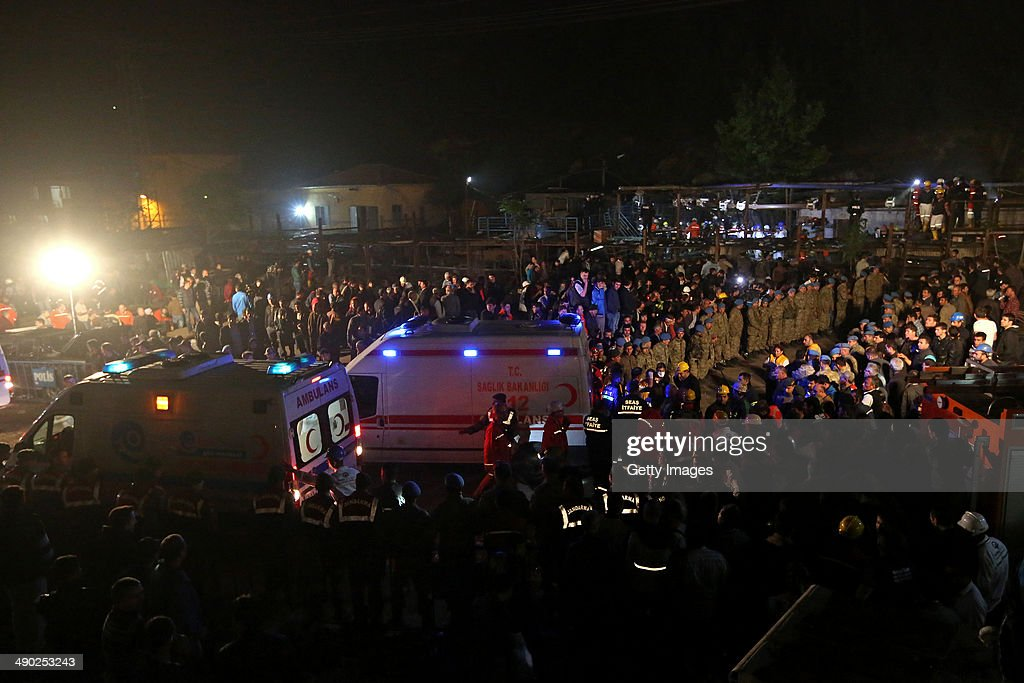 200 Miners Trapped Underground After Fire In Mine : News Photo