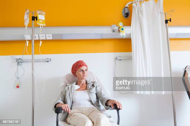 ambulatory chemotherapy - chemotherapy stock pictures, royalty-free photos & images
