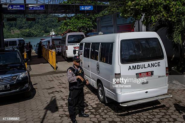 Ambulence are arrive at Wijaya Pura port as prepare for transfer to Nusakambangan prison ahead of the executions of the Bali 9 on April 28 2015 in...