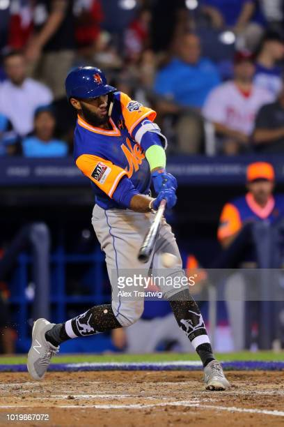 Amed Rosario of the New York Mets singles in the fourth inning during the 2018 Little League Classic against the Philadelphia Phillies at Historic...