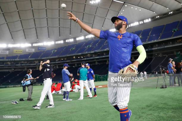 Amed Rosario of the New York Mets warms up during the workout day for the Japan AllStar Series at the Tokyo Dome on Wednesday November 7 2018 in...