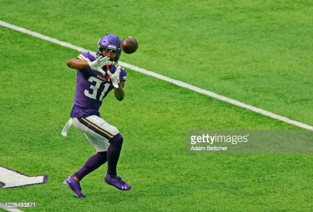 Ameer Abdullah of the Minnesota Vikings warms up during the pregame against the Green Bay Packers at U.S. Bank Stadium on September 13, 2020 in...