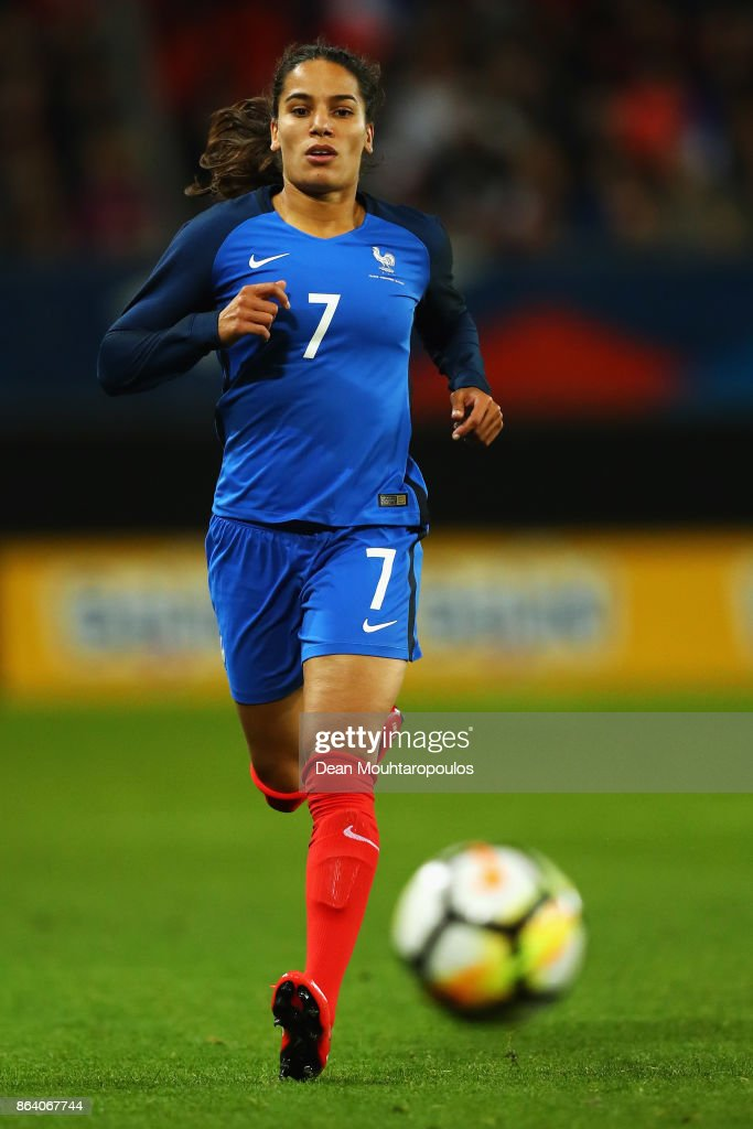 Amel Majri of France in action during the International friendly match between France and England held at Stade du Hainaut on October 20, 2017 in Valenciennes, France.