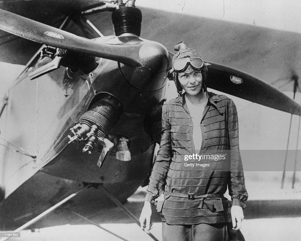 Ameila Earhart With Airplane : News Photo