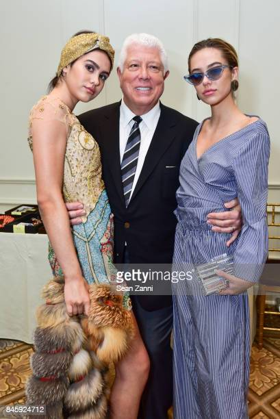 Amelia Gray Hamlin Dennis Basso and Delilah Belle Hamlin backstage at the Dennis Basso Spring/Summer 2018 Runway Show during New York Fashion Week at...