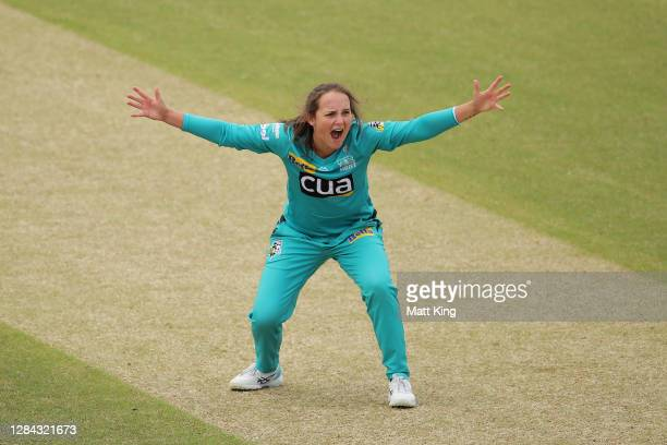 Amelia Kerr of the Heat appeals during the Women's Big Bash League WBBL match between the Brisbane Heat and the Adelaide Strikers at North Sydney...