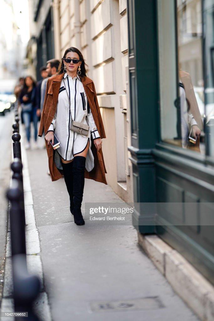 Street Style : Paris Fashion Week Womenswear Spring/Summer 2019 : Day Five : News Photo