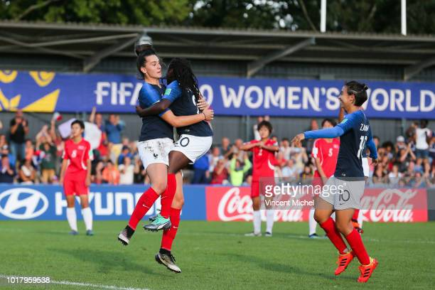 Amelie Delabre of France jubilates with teammates as she scores the first goal during the Quater Final Women's World Cup U20 match between France and...