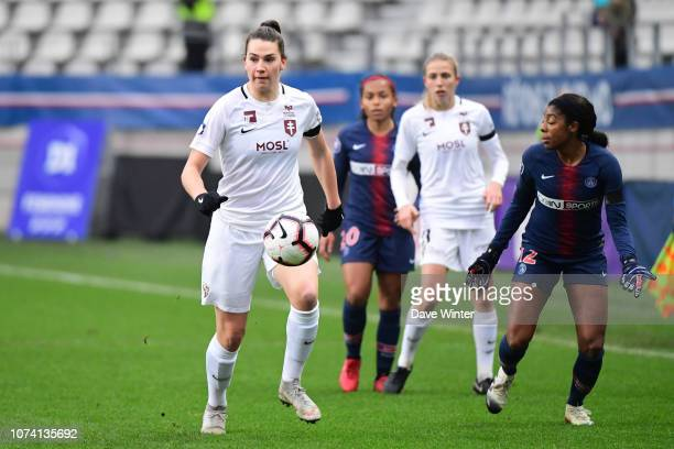 Amelie Delabre of Metz during the Division 1 Feminine match between Paris Saint Germain and Metz on December 16 2018 in Paris France