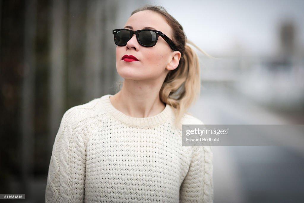 Street Style - Paris - February 2016 : Photo d'actualité