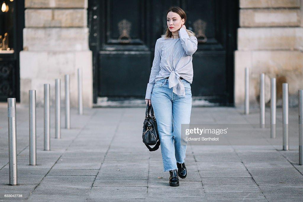 Street Style - Paris - January 2017 : News Photo