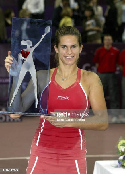 Amelie Mauresmo defeated French compatriot Mary Pierce 6-1, 7-6 to win the Gaz de France on February 12, 2006