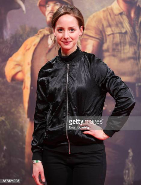 Amelie PlaasLink arrives at the German premiere of 'Jumanji Willkommen im Dschungel' at Sony Centre on December 6 2017 in Berlin Germ